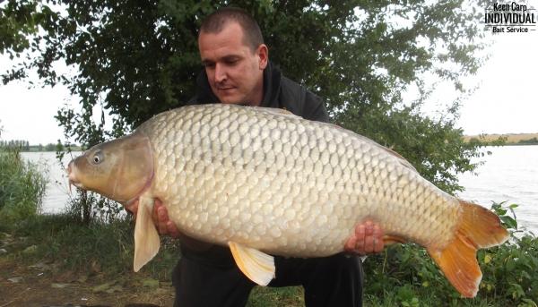 1300 kg Merenyén