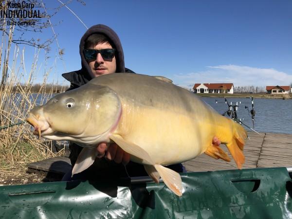 """Prvá tohtoročná rybačka na jazere """"kocka"""""""
